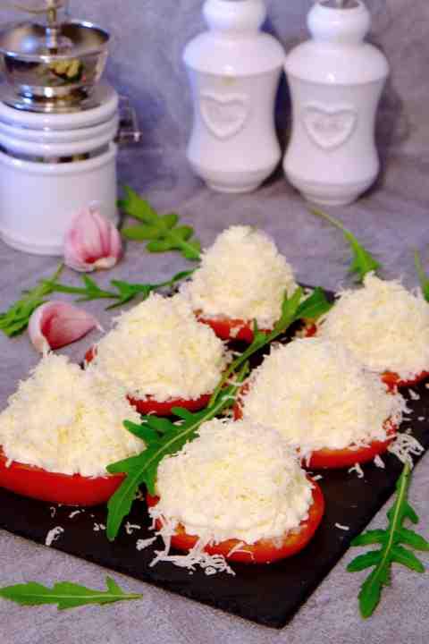 Pomidory z czosnkiem i serem - Przekąski na Imprezę