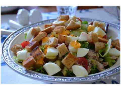 Domowa kuchnia Aniki: Sałatka z wędzoną makrelą