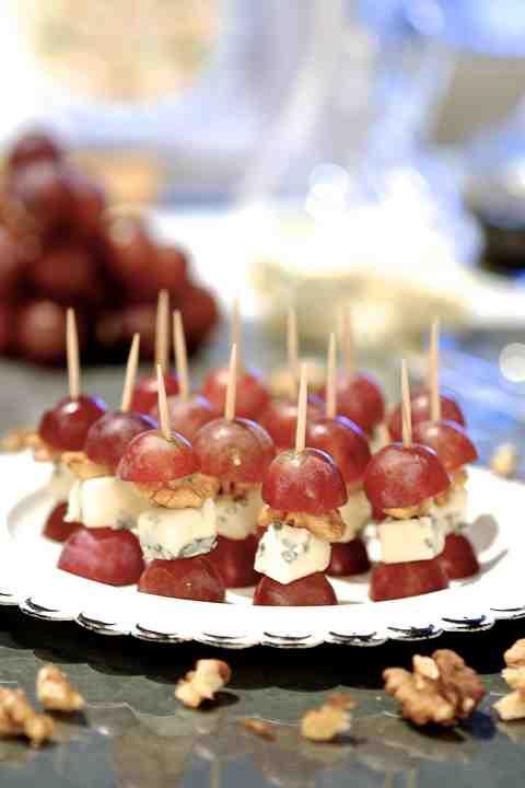 Koreczki z winogron i gorgonzoli - Przekąski na Imprezę
